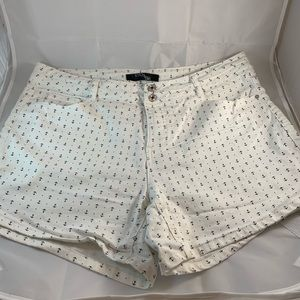 White shorts  with nautical anchors